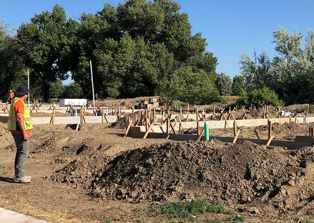 Houses under construction in county's Onde Verde development